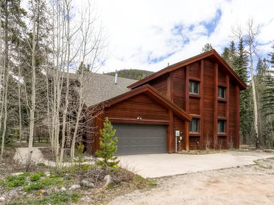 Photo for Spacious 4Bdrm Home/Sleeps 10, Stunning Views, Fireplaces