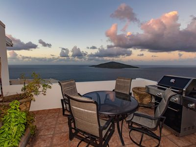 Photo for Come experience paradise and amazing views in our 2 bed/2 bath home!