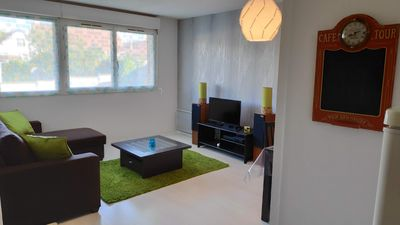 Photo for Apartment 50m² downtown, quiet, on the edge of the park