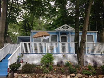 Sea Blue Cottage Freshly Painting w/New Charming Garden In front W/Rock Surround