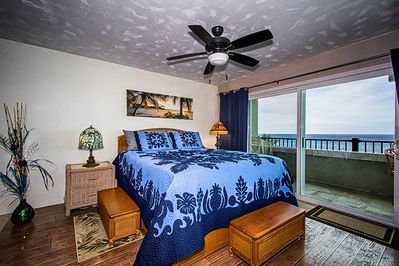 Enjoy an amazing oceanview, and listen to the waves crashing from bed!