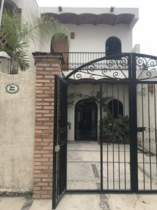 Photo for Casa Chula - Private, Stylish, 1 Block to Beach, Heated Pool