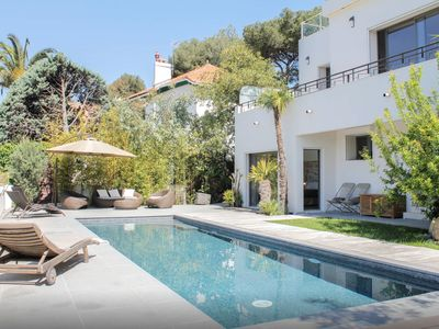Photo for Cassis Modern Villa, Sea View, Heated Pool, 800m village and beach, Provence