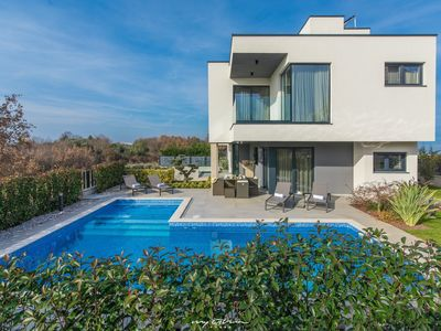 Photo for Villa Lucia with top equipment, pool, jacuzzi, sauna