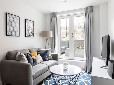 Photo for Luxury 1 Bed Apartment in Olympia Kensington