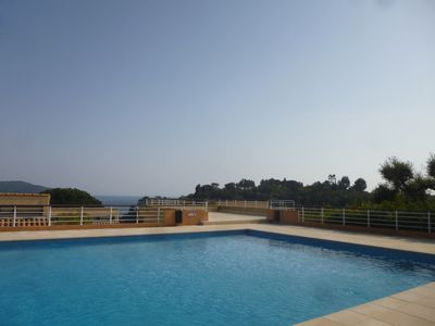 Photo for Cozy and pleasant apartment, swimming pool, walking beaches, tennis, private parking