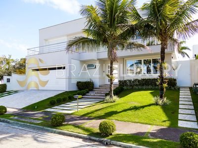 Photo for Luxurious 6 bedroooms villa in Jurerê Internacional