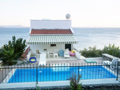 Photo for House with pool by the sea