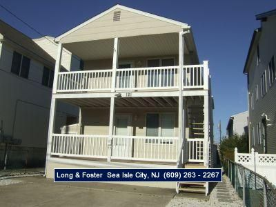 Photo for CLOSE to restaurants and shopping. This unit has 2 off street parking spots.