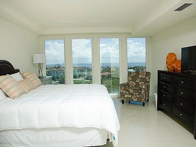 Photo for Bayview Gem! Spacious condo in beachfront resort with shared pools. Pet Friendly