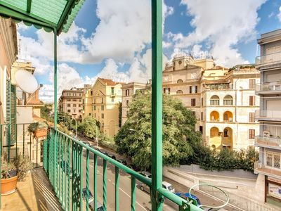 Photo for Apartment in Rome with Internet, Air conditioning, Terrace, Balcony (18069)
