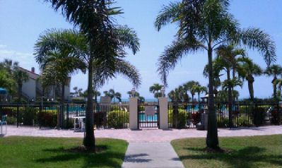 Beautiful Pool & Hot Tub Overlooking the Gulf Steps to the sundeck and beach