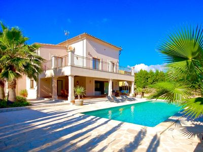 Photo for Dreamlike Villa Los Abel Lanes in Porto Colom with private pool and air conditioning!