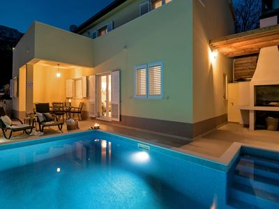 Photo for Spacious & stylish villa with private pool, 5km away from attractive beaches