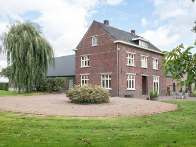 Photo for Spacious Villa in Broekhuizenvorst with Terrace