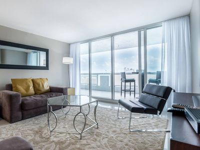 Downtown Miami 3742   1BR Waterfront Condo-Hotel   Free Valet Parking