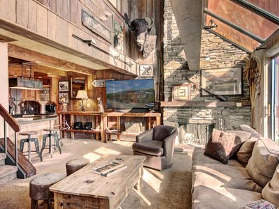 Photo for Remodeled 6 Bedroom Condo Right on the Slopes with Great Amenities for Everyone
