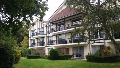 Photo for 3 * apartment, swimming pool, tennis, wooded park, children's playground