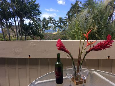 A glass of wine on the lanai?