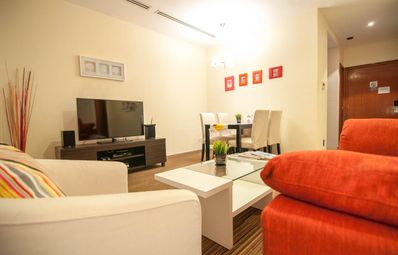 Photo for Premium Stay Minutes from Botanic Garden