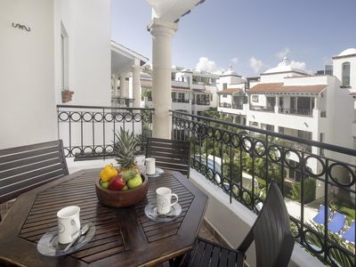 Photo for Discount Weekly/Monthly, Private Rooftop, Balcony, Great Location, Free WiFi (302)