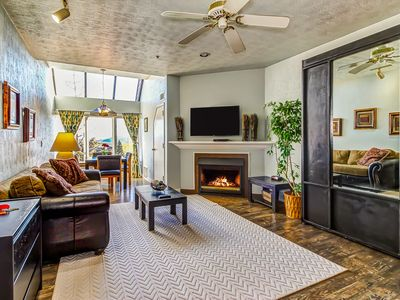 Photo for Cozy studio in the village w/ shared pool & hot tub - easy slope access