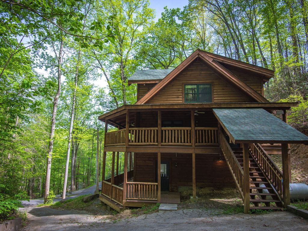 mecca accommodations united is dsc appease mountains their history gatlinburg of tennessee tourism cabins century thriving cabin log rentals for a the states to in smoky