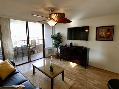 Photo for Fantastic 1 bedroom with full kitchen, WiFi, Parking in central Waikiki