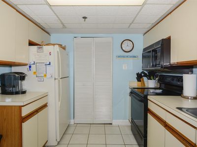 Photo for FREE DAILY ACTIVITIES! Direct Oceanfront 2 bedroom, 2 bath with semi-private (room divider) den unit.