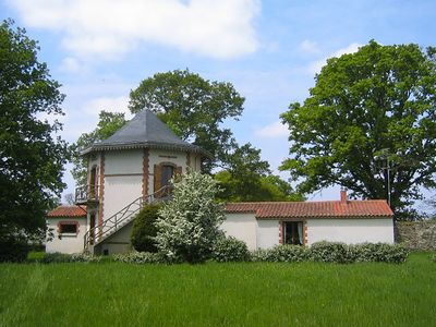 Photo for A stay almost in the trees, in a Vendée hunting lodge