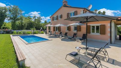 Photo for Great family villa with pool near Porec