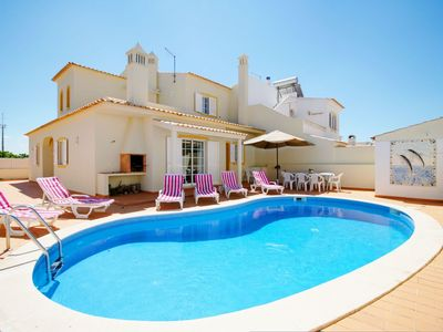 Photo for Villa in Armação De Pêra with 4 bedrooms sleeps 8