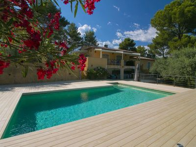 Photo for Luxurious child-friendly villa with gorgeous view and large pool