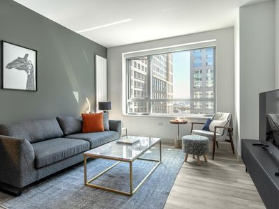 Photo for Ideal SoMa 1BR w/ Gym, Roofdeck, Doorman, walk to Uber, by Blueground