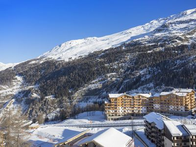 Photo for Very well maintained residence with Spa on the slopes in Tignes 1800