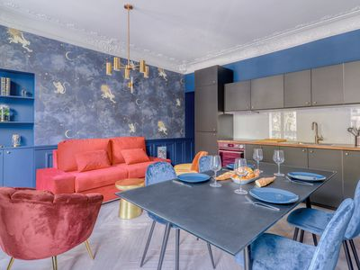 Photo for Modern and Cosy flat in the heart of Paris