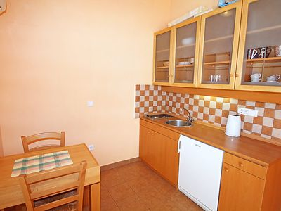 Photo for Apartment Dejan in Makarska - 4 persons, 1 bedrooms