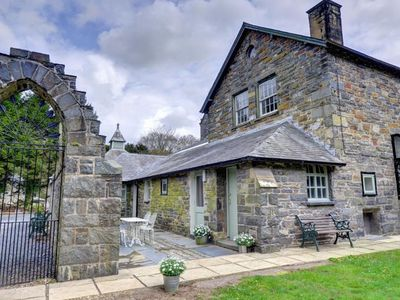 Photo for One of three small cottages surrounding a shared covered atrium