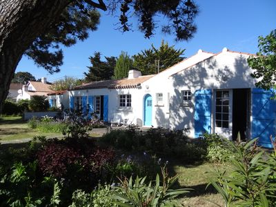 Photo for The old. Vendee house 8/10. 50m range. Large enclosed south facing garden
