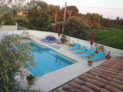 Photo for House : south of France (provence)  with private swimming pool near Avignon