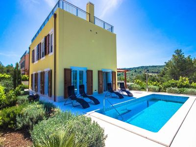 Photo for In the center of Splitska with Internet, Pool, Air conditioning, Parking (755986)