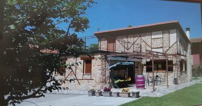 Photo for Villa El Salinar, 10 minutes from Salamanca. Ideal for families and groups. 9 seats