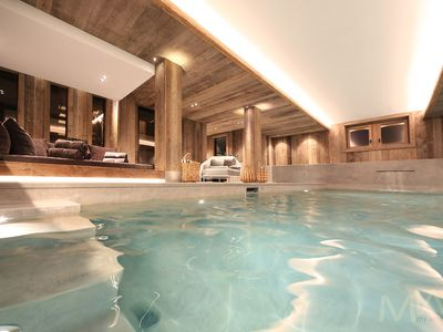 Photo for Luxury Chalet view Mont Blanc 550m from the lifts - 660m2