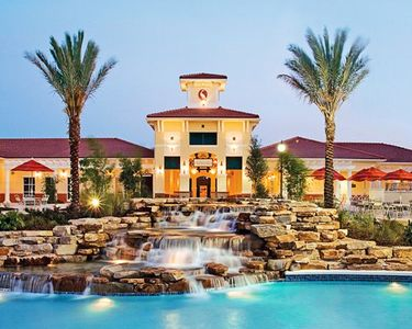 Photo for Aug 17-24 Holiday Inn Club Orange Lake Next to Disney World $1100