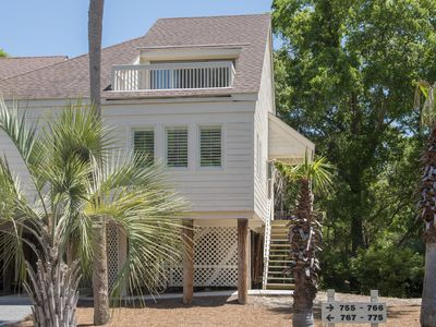 Photo for Popular Spinnaker Beach House! Close to the beach with Golf Course Views!  Pet Friendly!