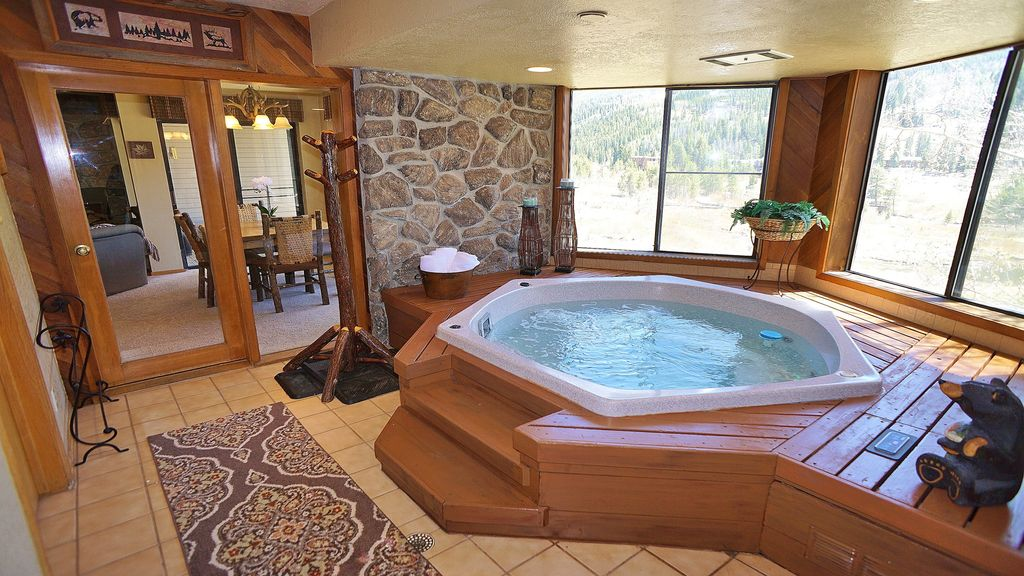 ⭐Family Mtn Escape⭐INDOOR HOT TUB U0026 FIREPLACE Views Of Keystone Slopes