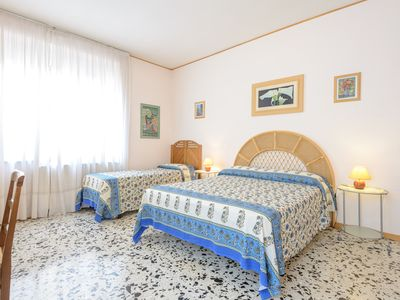 Photo for Fantastic holiday home in Rome, 10 minutes from the city center near the station