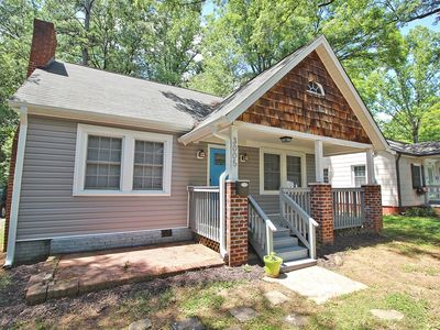Photo for Charlotte, Adorable 2 bedroom Bungalow near uptown, Refreshed & Remodeled home