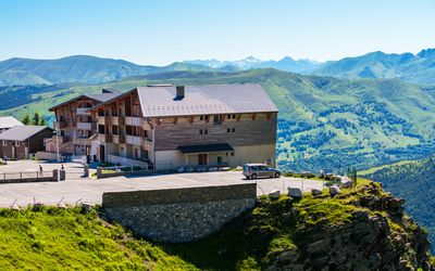 Photo for Superb at the foot of the slopes-2 bedrooms-terrace-pool-2 parking-Ski locker