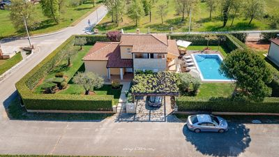 Photo for Family villa with pool near Porec and the beach